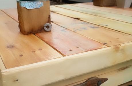 שולחן יחיד ומיוחד - נמכר